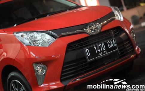 Mobkas Toyota Calya lebih diminati dibanding Daihatsu Sigra. (foto: Oji)