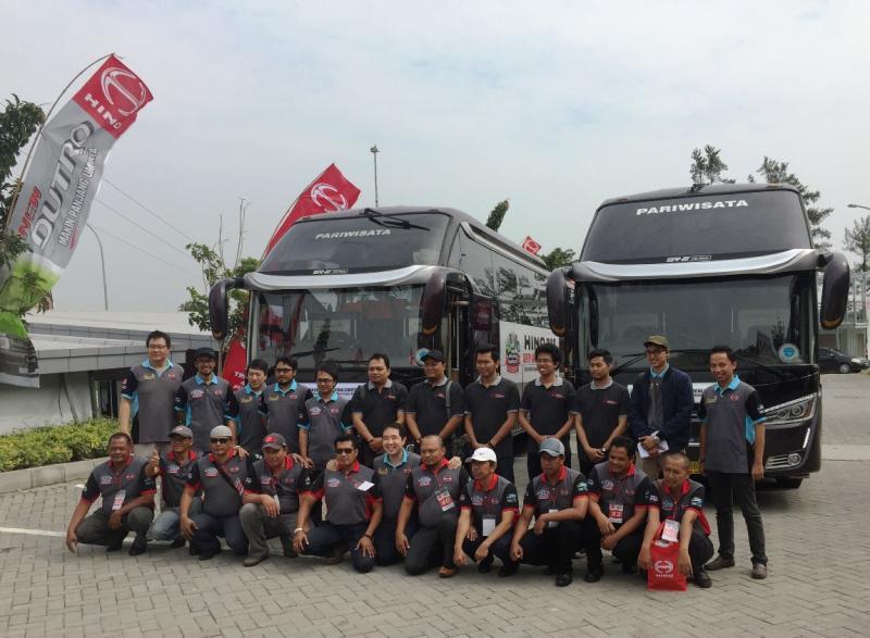 Pengemudi bus dan truk ikut berkompetisi keselamatan berkendara di Yogyakarta. (foto: Hino)