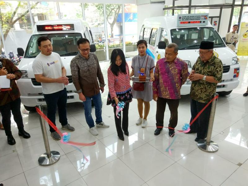 Serah terima Angkot Moderen dari KODJARI kepada perwakilan Pemkot Bogor. (foto: ist)