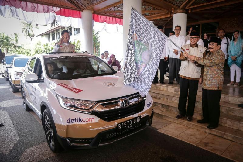 Pelepasan jelajah nusantara dengan Honda C-RV Turbo dari Banda Aceh. (foto : hpm)