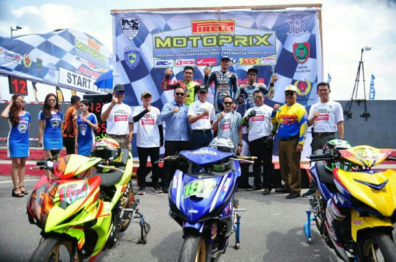 Podium kelas utama MP1 disapu pembalap Kaltim. (foto : wahab)