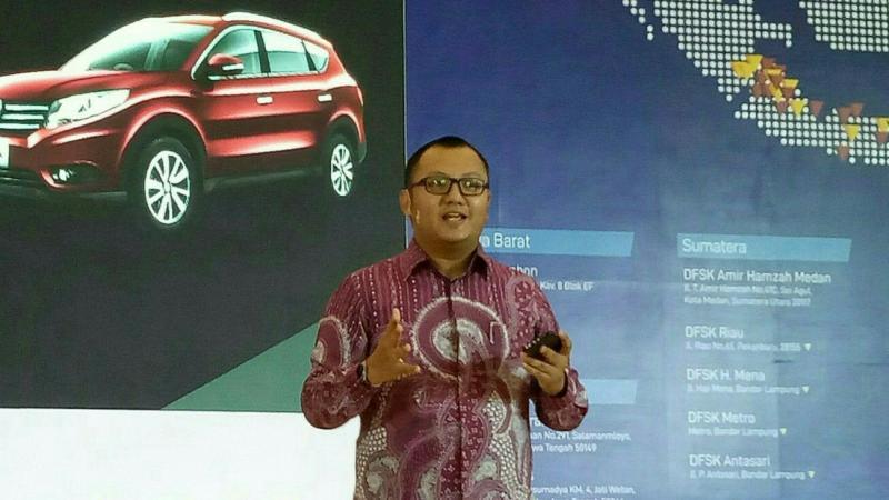 Permata Islam saat sampaikan speech pada peluncuran DFSK Glory 580 di Surabaya. (foto : budsan)