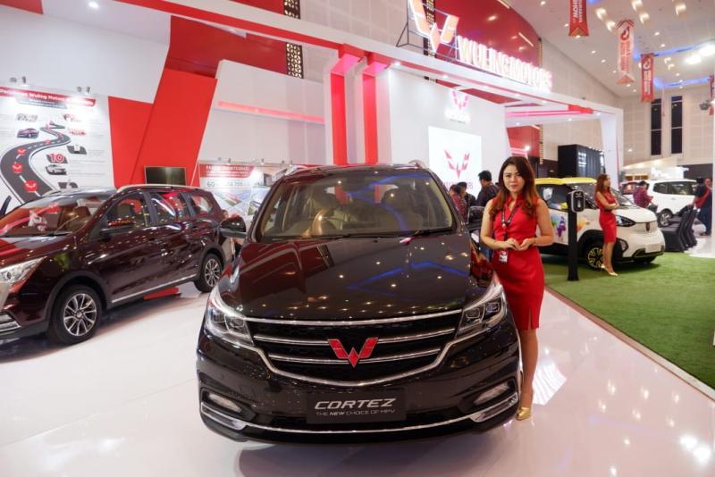 Wuling siapkan banyak hadiah untuk pembelian di GIIAS 2018 Surabaya. (foto: Felix)