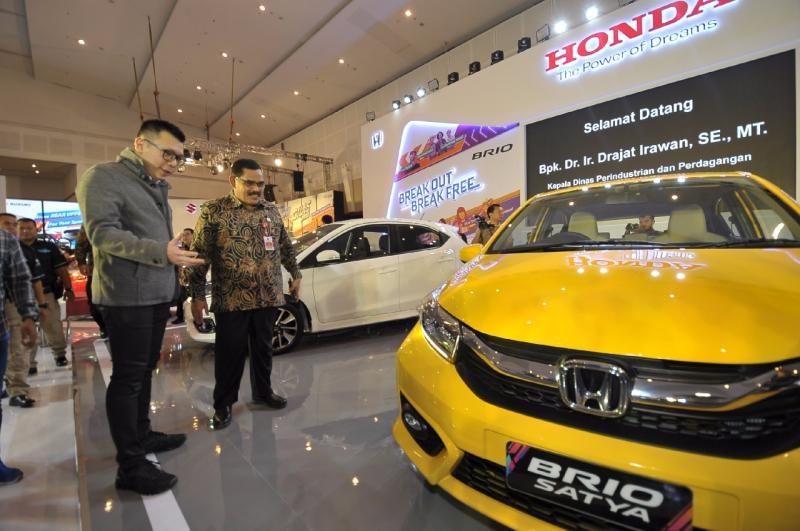 All New Honda Brio lebih mahal Rp 10.750.000,- untuk semua varian di Surabaya. (foto: HSC)