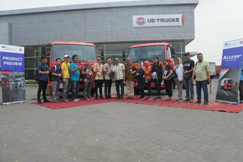 UD Trucks Kuzer membidik pasar potensial di Jawa Timur. (foto: Ryne)