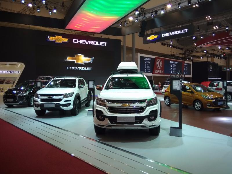Dua model baru Chevrolet di GIIAS 2018, New Trailblazer dan New Spark tampil di Mal Ciputra Cibubur. (foto: anto)