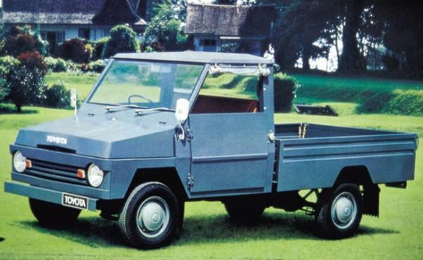 Cikal bakal mobil keluarga Indonesia dimulai dari Kijang Buaya pada 1975. (foto: Toyota)