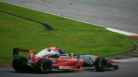 Keanon lakukan pencapaian terbaik di Asian Formula Renault Sepang. (foto : rayhan ardian)