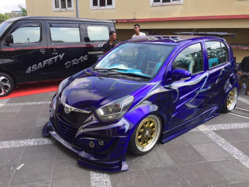 Antusias modifikasi mobil Daihatsu di Kota Balikpapan cukup tinggi. (foto: Titan)