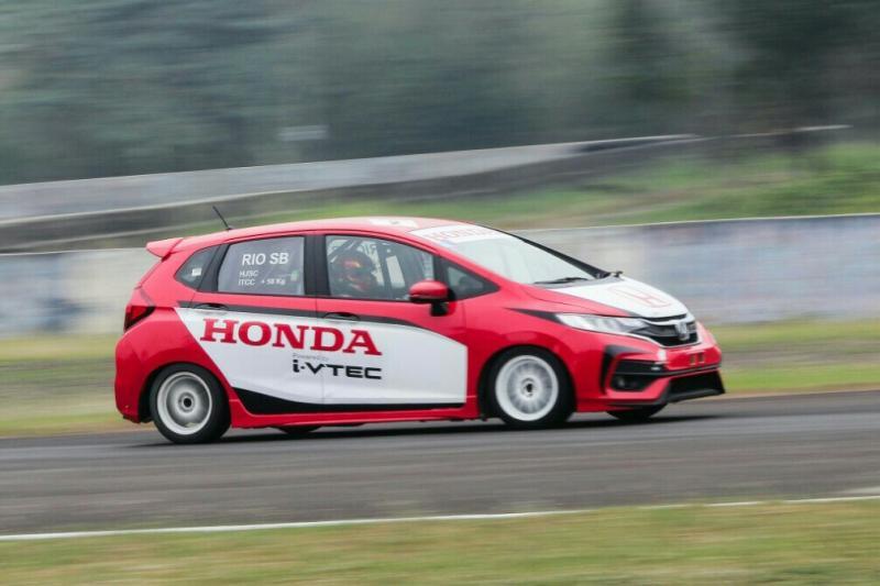 Adanya kelas F1 ini bisa menarik keterlibatan lebih banyak brand mobil. (foto : ist)