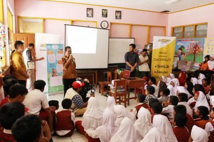 Sebanyak 120 Murid SDN Sukajaya Lembang mengikuti rangkaian edukasi keselamatan bersama Chevrolet. (foto: ist)