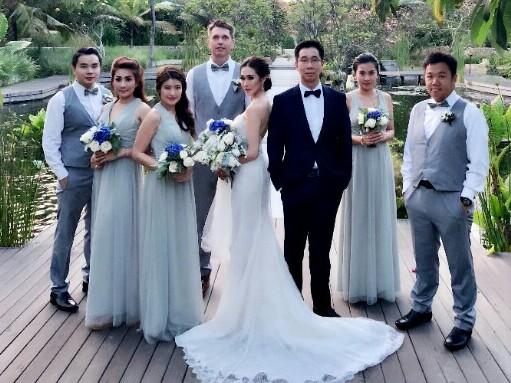 Setiawan Santoso dan Ellyn Santoso langsungkan resepsi pernikahan di Bali. (foto : ist)