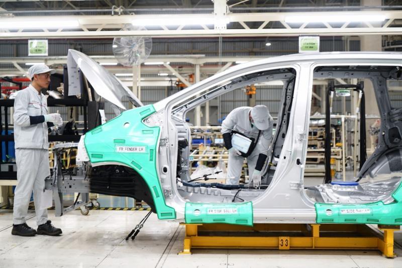 Industri otomotif merupakan satu dari lima sektor manufaktur yang tengah diprioritaskan pengembangannya. (foto: MMKSI)