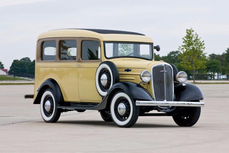 Chevrolet Suburban Carryall 1935 jadi cikal bakal SUV pabrikan asal Amerika Serikat ini. (foto: General Motors)