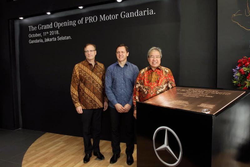 Diler PRO Motor sudah berdiri sejak 1994 dan berikan banyak kontribusi kepada Mercedes-Benz Indonesia. (foto: Gitta)