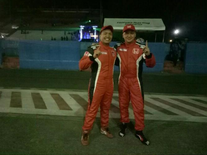 Alvin Bahar dan Rio SB, duet pembalap Honda Racing Indonesia. (foto : budsan)