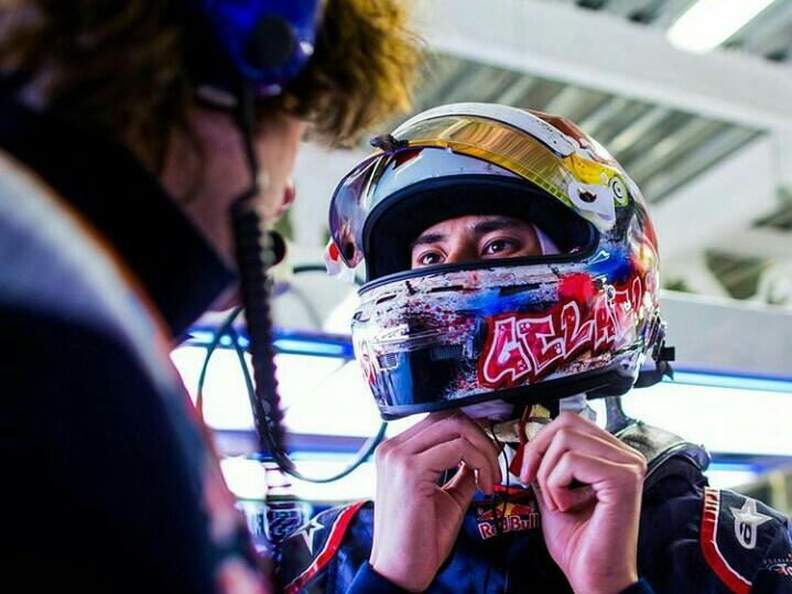 Sean Gelael kembali menjajal mobil F1 di FP1 F1 Austin bersama tim Toro Rosso. (foto : ist)