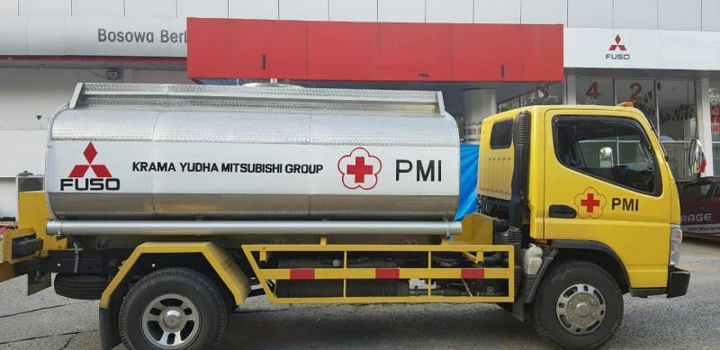 Mobil tangki Mitsubishi Fuso untuk membantu korban gempa Sulawesi Tengah. (foto : ktb)