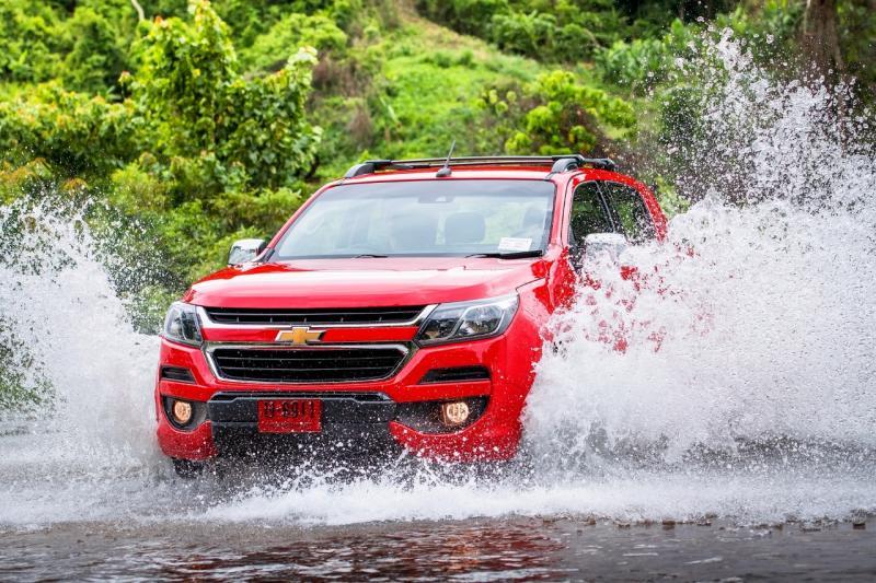 Duet SUV Chevrolet yaitu Trailblazer dan Colorado terbukti mampu atasi kondisi jalan ekstrem berkat uji ketat dan penerapan rangka tangguh. (foto: GM Media)