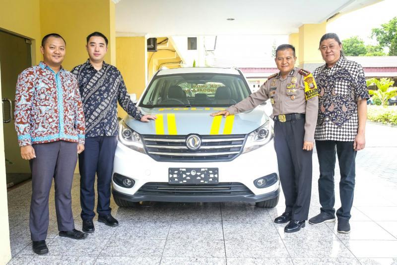 Satu unit DFSK Glory 580 didonasikan untuk mobilitas Polda Sulawesi Tengah. (foto : ist)