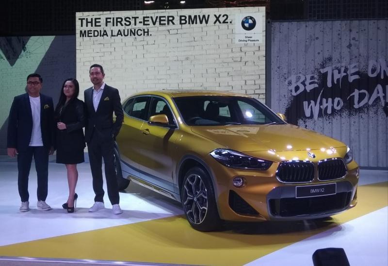 BMW X2 melengkapi jajaran keluarga SUV BMW di Indonesia. (foto: anto)