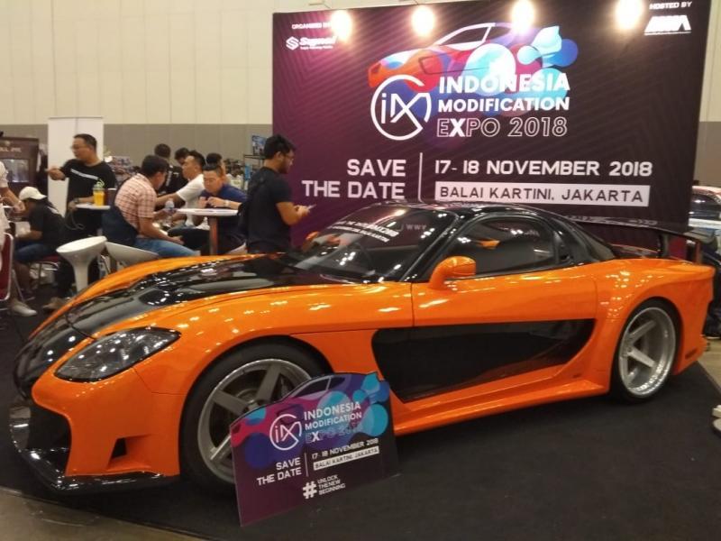 NMAA menampilkan contoh modifikasi mobil yang proper di Indonesia Diecast Expo 2018. (foto: anto)