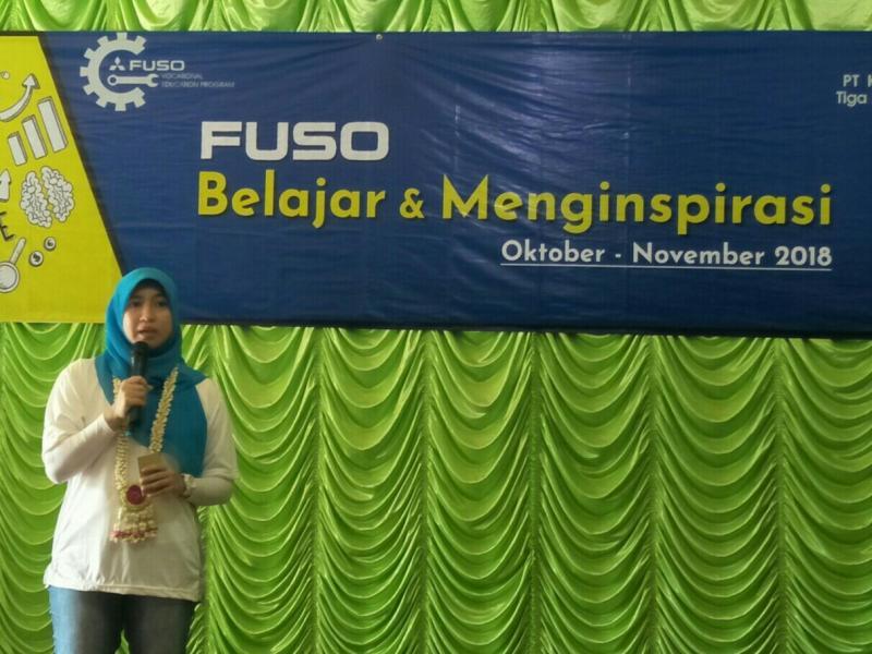 Mitsubishi Fuso dukung pendidikan SMK di Banjarbaru, Kalsel. (foto : ist)