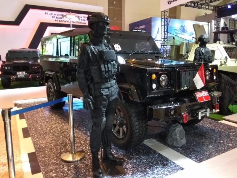 ILSV - VVIP dalam wujud prototipe SUV anti peluru dirakit di Bandung. (foto: anto)