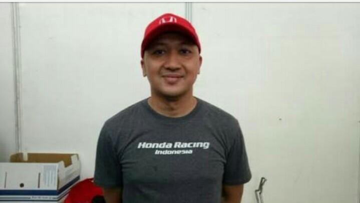 Alvin Bahar, bisa sharring ilmu dengan Rio Haryanto. (foto : bs)