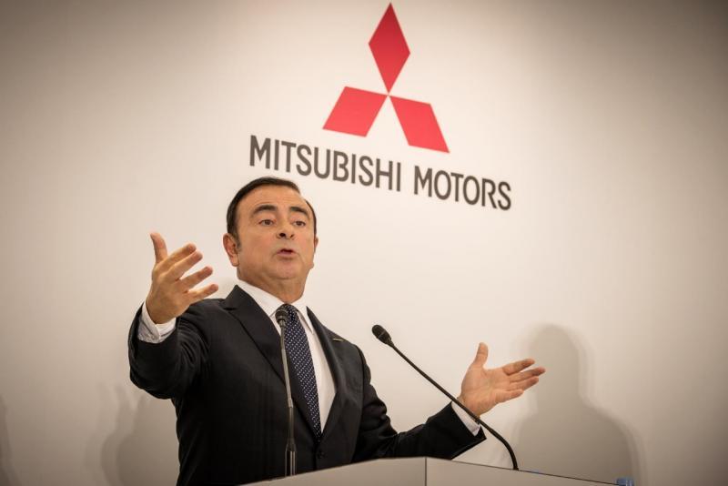 Carlos Ghosn berjasa mengembalikan kejayaan Nissan sejak tahun 2000-an. (foto: Autocarpro)