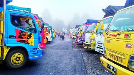 Ribuan truk Mitsubishi Fuso menghadiri acara yang disponsori PT Mitsubishi Motors Krama Yudha Tiga Berlian Motors di Purbalingga ini. (foto: ist)