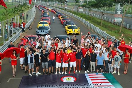 Puluhan supercar Ferrari memenuhi trek Sirkuit BSD City. (foto: ist)