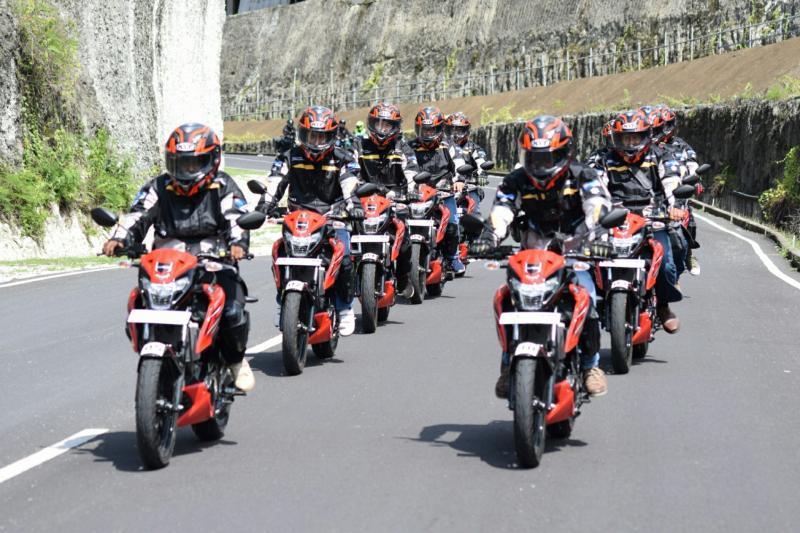 GSX150 Bandit Touring Teman Satu Tujuan. (foto : ist)