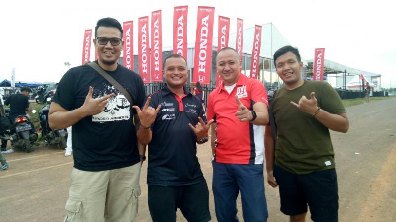 Alvin Bahar (kedua dari kanan), bersama Rio SB, Rizal Sungkar dan M Ichsan. (foto : bs)