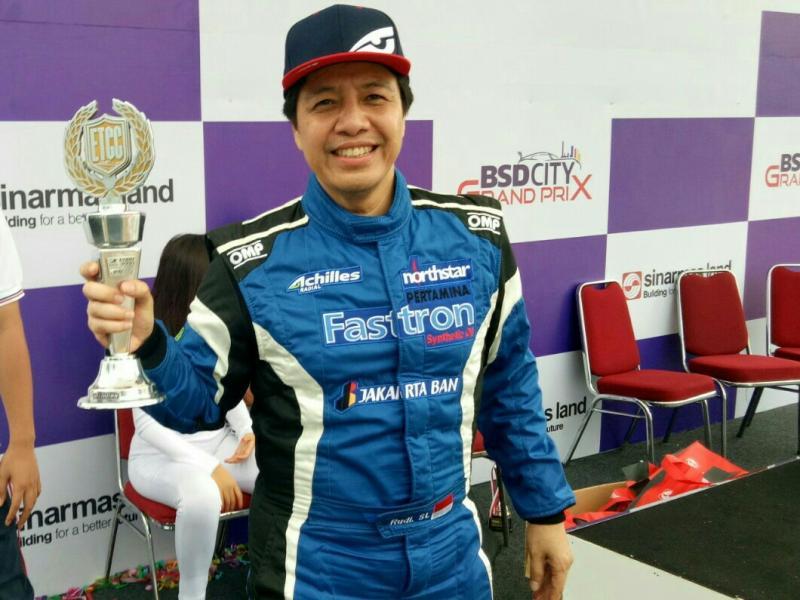Rudi SL, mengoleksi gelar juara nasional yang ketiga dari kelas bergengsi ETCC 3000 Pro. (foto : bs)