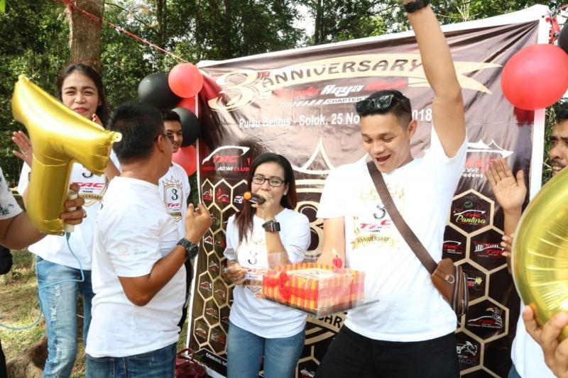 Toyota Agya Club Chapter Padang rutin mengadakan Kopdar. (foto: ist)