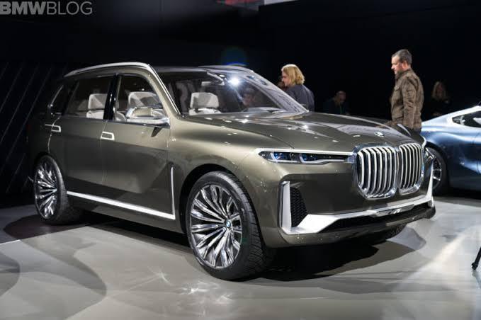 BMW X7 jadi yang terbesar dan termahal di jajaran SUV seri X BMW. (foto: bmwblog)