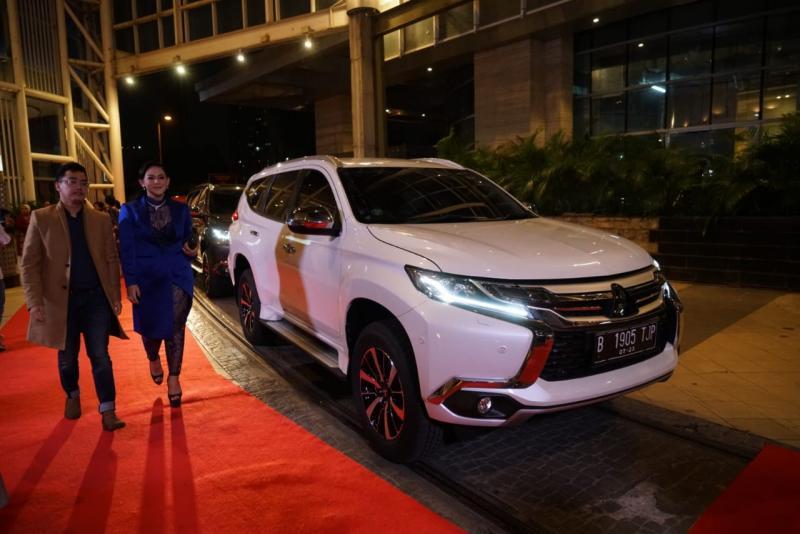 Mitsubishi Xpander dan Pajero Sport berperan  di Film Milly & Mamet. (foto: ist)