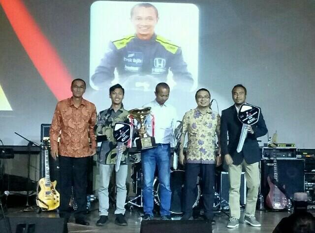 Kiri ke kanan : Deddy Madradi, Huga, Fitra Eri, Sadikin Aksa dan Haridarma Manoppo. (foto : bs)