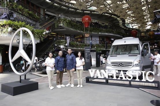 Varian V-Class dan Sprinter serta New C-Class hadir di Lippo Mal Kemang. (foto: ist)