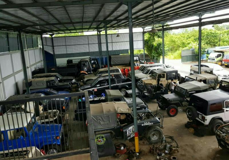 Di bengkel inilah markas offroader Kalimantan Selatan. (foto : rd)