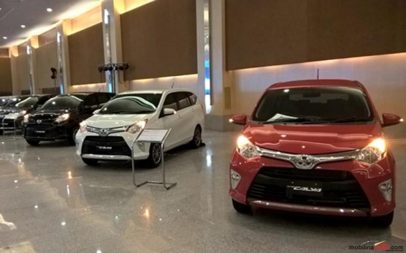 Kapasitas tujuh penumpang dan brand image Toyota membuat Calya jadi favorit LCGC. (foto: dok. Mobilinanews)