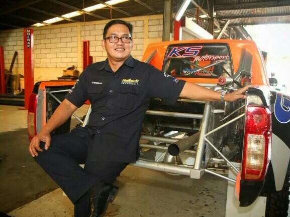 Kemal Agusmula Bachrie, pentolan jeep dan bos KS Motorsport di Jalan Pramuka Jakarta yang legendaris. (foto : thegaspol)