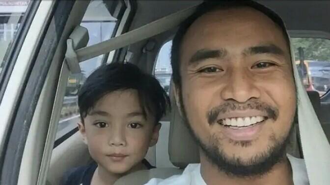 Haridarma Manoppo dan putra tunggalnya, tetap sebagai GM di SIKC. (foto : ist)