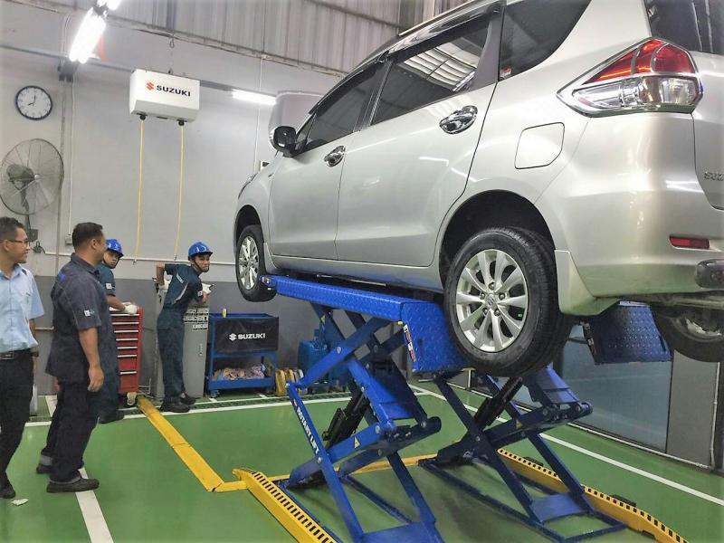 Layanan service Suzuki di diler Solo Indonesia Utama, Sukoharjo, Jawa Tengah. (foto : ist)