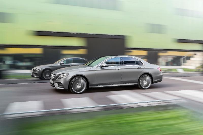 Penggemar Mercedes-Benz maupun mobil Eropa, rugi nih kalo engga datang. (anto)