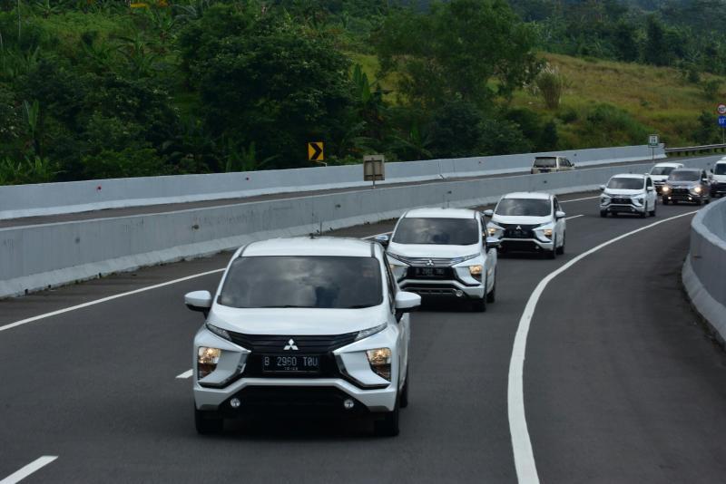 Mitsubishi Xpander saat berpartisipasi pada Jelajah Tembus Tol Trans Jawa pada Desember 2018. (foto : ist)