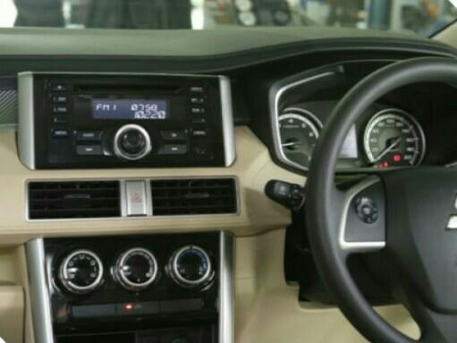 Pengaturan equalizer audio pada varian Ultimate Mitsubishi Xpander sangat mudah dilakukan. (foto : ist)