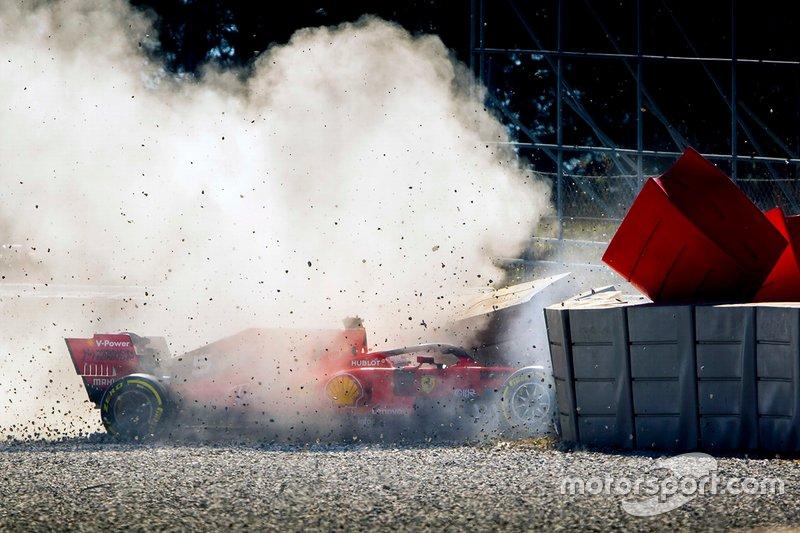 Vettel kecelakaan di tes Barcelona akibat faktor mekanikal di mobil F1 anyar Ferrari (ist)