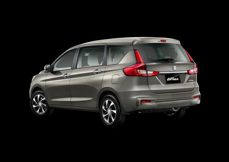 Penyegaran pada Suzuki All New Ertiga juga mencakup buritan mobil. (foto : ist)